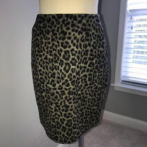 Cabi Jungle Skirt size 6. NWOT